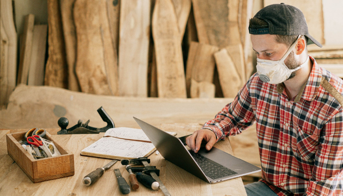 Virtual Assistant VS In-House Admin Person – Which is best for tradies?